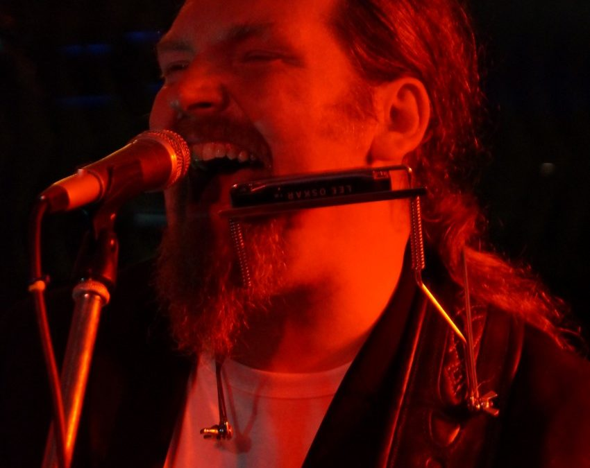 ONE MAN BAND – Getting the big sound with Willie McArthur